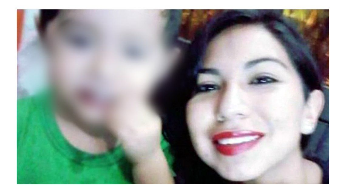 Alejandra y su hijo murieron en el hospital