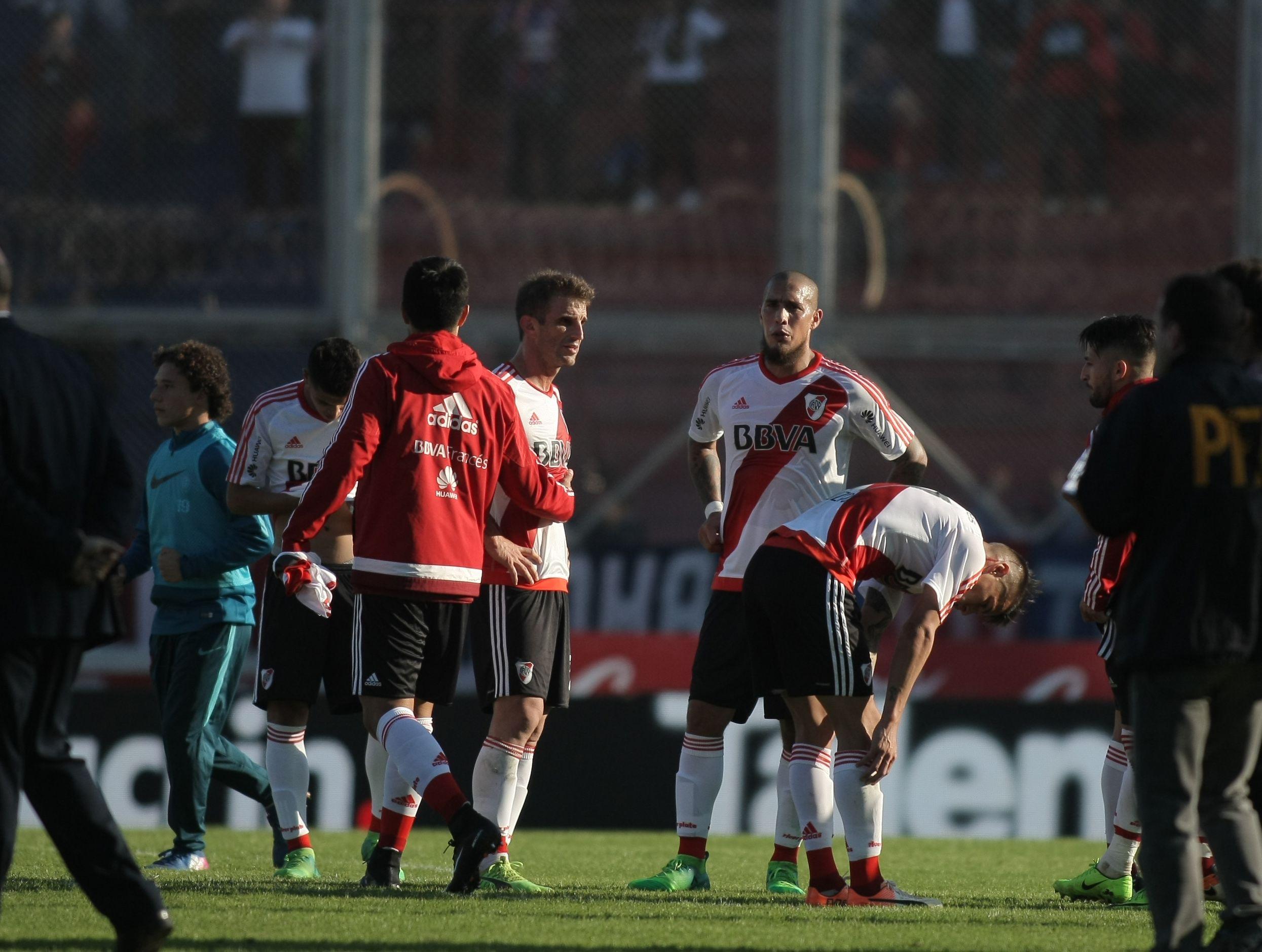 El uruguayo terminó el duelo ante San Lorenzo con una molestia