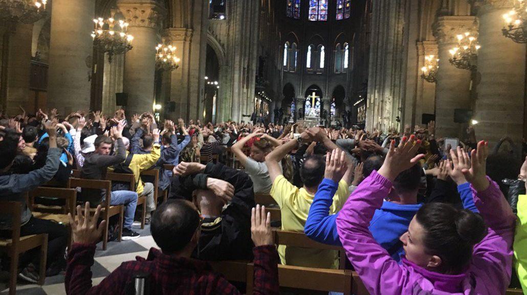 Así están las personas encerradas en la Catedral