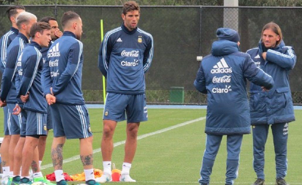 El entrenador casildense junto a Sebastián Beccacece