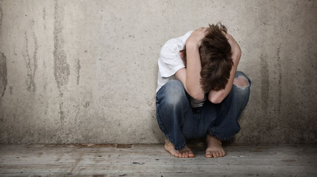 El hombre sufrió maltrato en su infancia