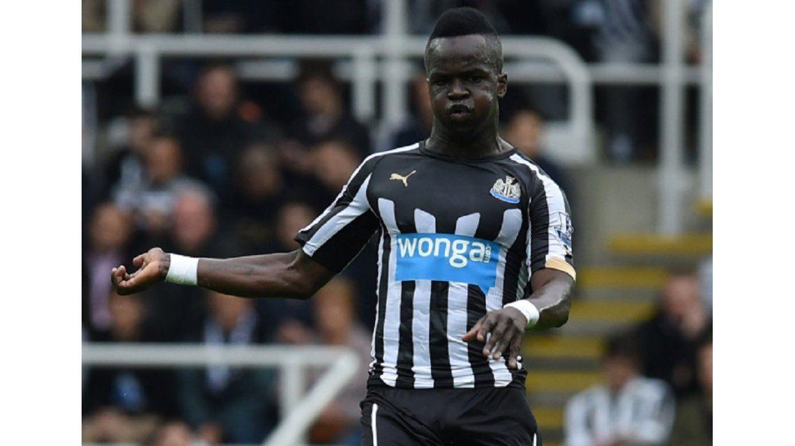 Tenía 30 años y jugó gran parte de su carrera en el Newcastle
