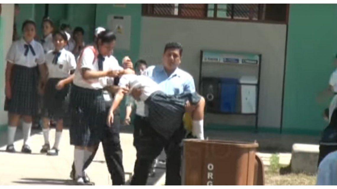 Alumnos peruanos son poseídos por demonios