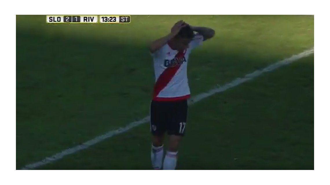 VIDEO: el increíble mano a mano que erró Auzqui en la derrota de River