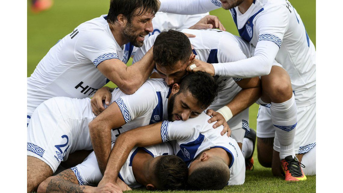 Vélez goleó a Tigre en Victoria