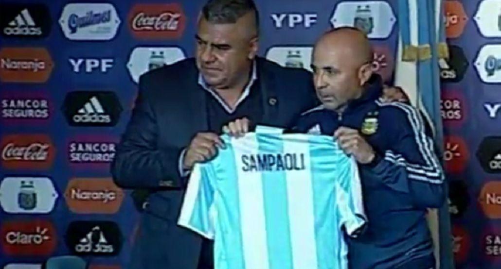 Comenzó la era Sampaoli: Tenemos que armar un equipo que respete la historia