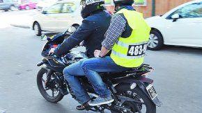 Los motociclistas deberán usar chaleco identificatorio