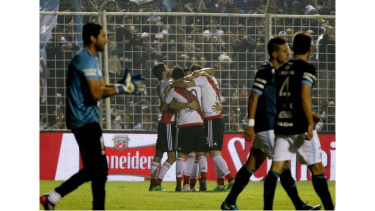 River le ganó a Atlético Tucumán y le mete presión a Boca