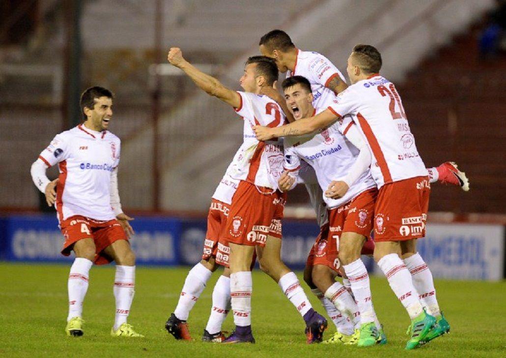Heroico: Huracán goleó y dio vuelta la serie ante Deportivo Anzoátegui