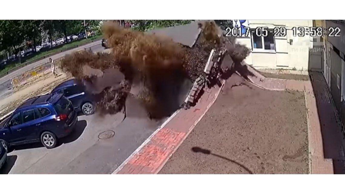 Explotó una cañería cloacal en Ucrania
