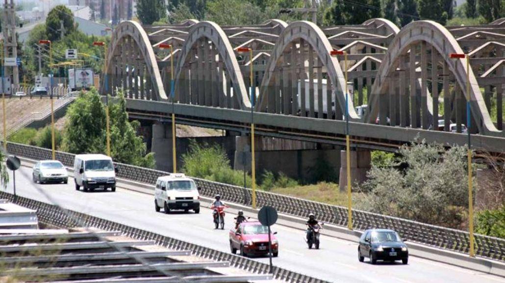Habían quedado en encontrarse en el puente que une Neuquén y Cipoletti