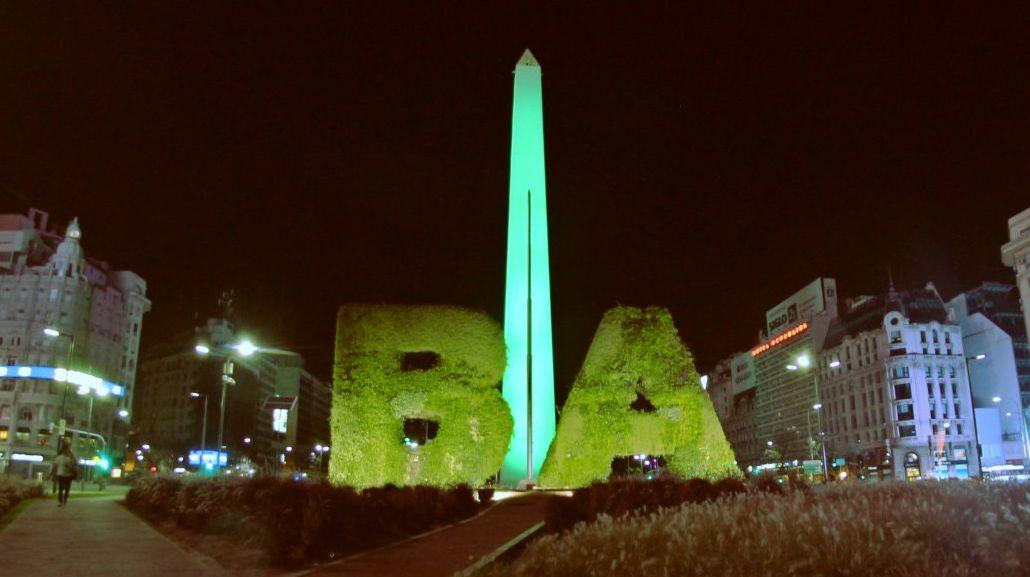 El Obelisco se tiñó de verde