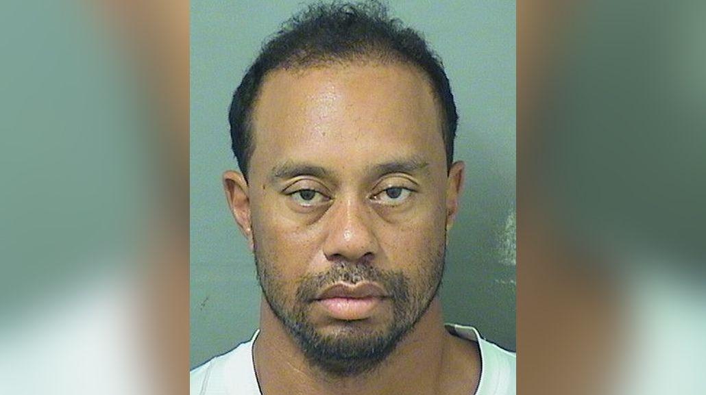 Tiger Woods fue detenido por manejar borracho