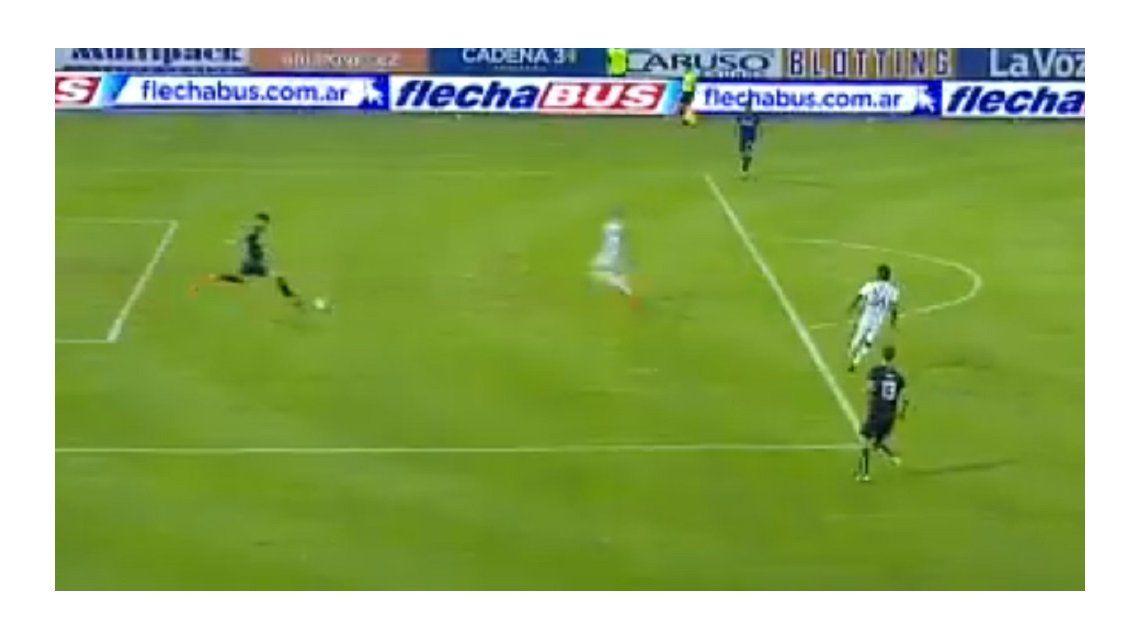 Mirá el papelón del Guido Herrera que terminó en gol de Atlético Tucumán