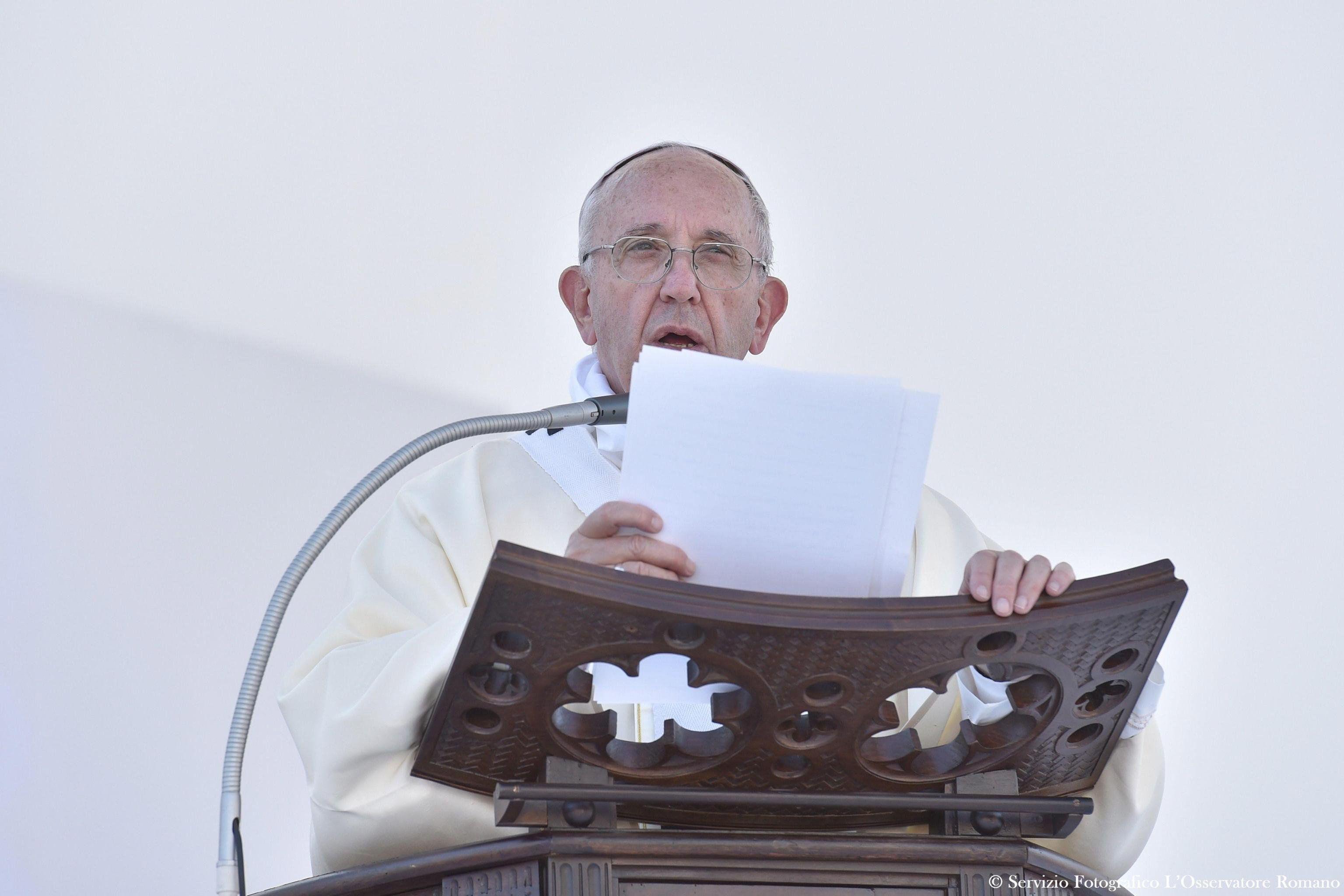 El Papa se refirió a los atentados terroristas