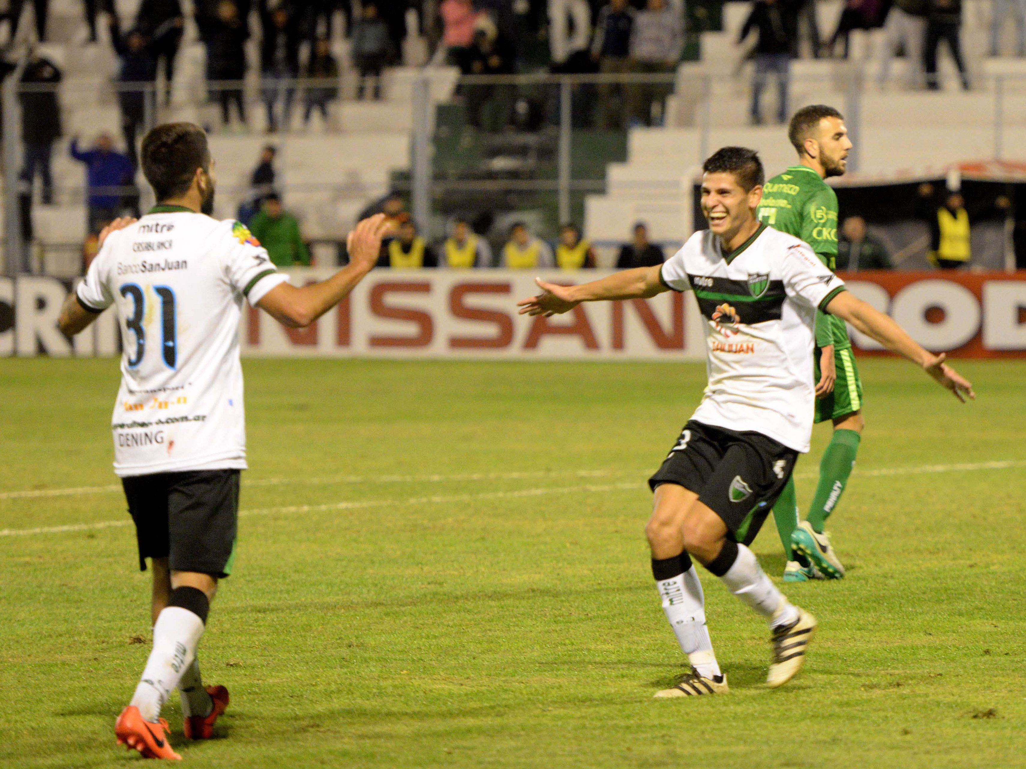 San Martín goleó a Sarmiento