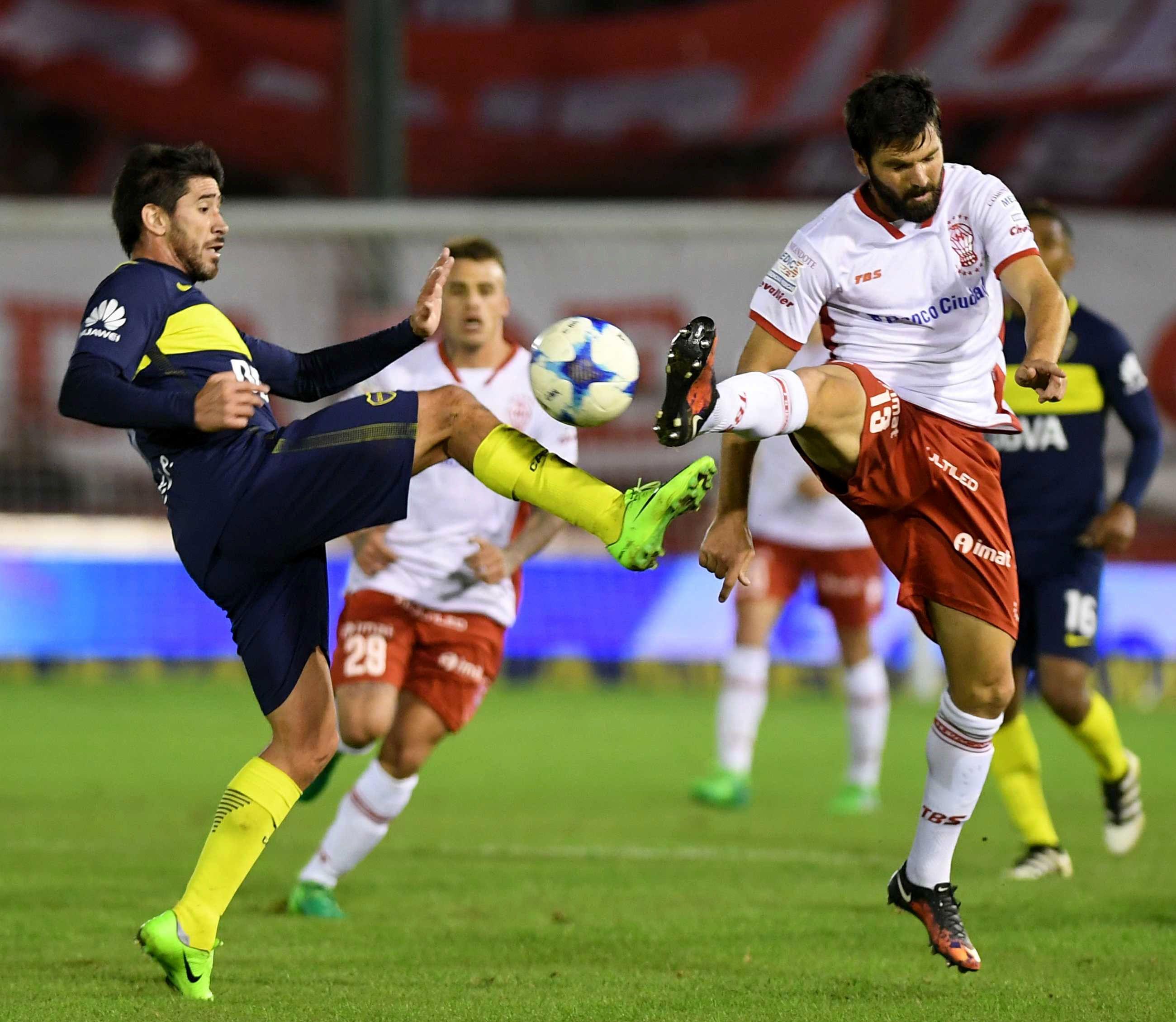 Con una polémica, Huracán empató y Boca perdió dos puntos clave