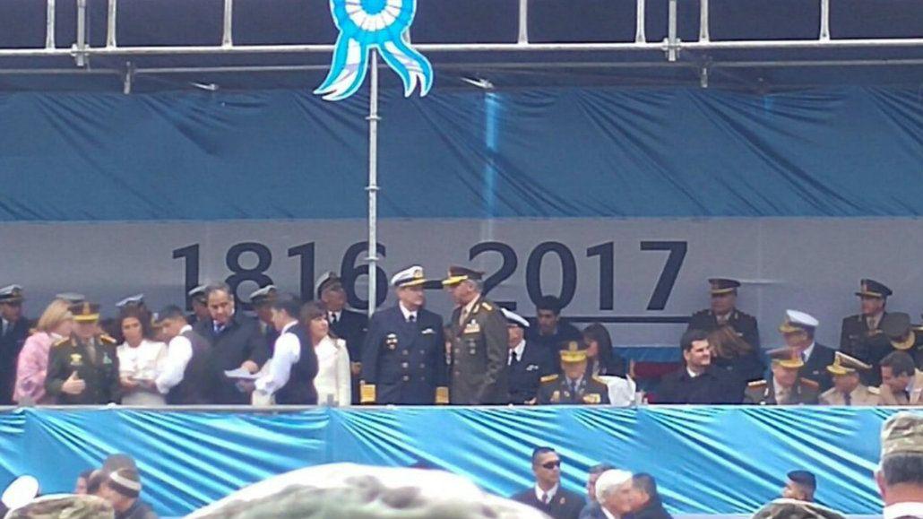 La fecha en la bandera no pasó desapercibida en las redes sociales