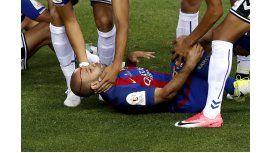 El brutal choque de cabeza que sufrió Mascherano en la final de la Copa del Rey