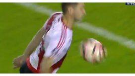 Pareció hombro, pero el árbitro cobró mano