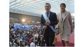 El presidente y la primera dama durante un acto por el 25 de Mayo
