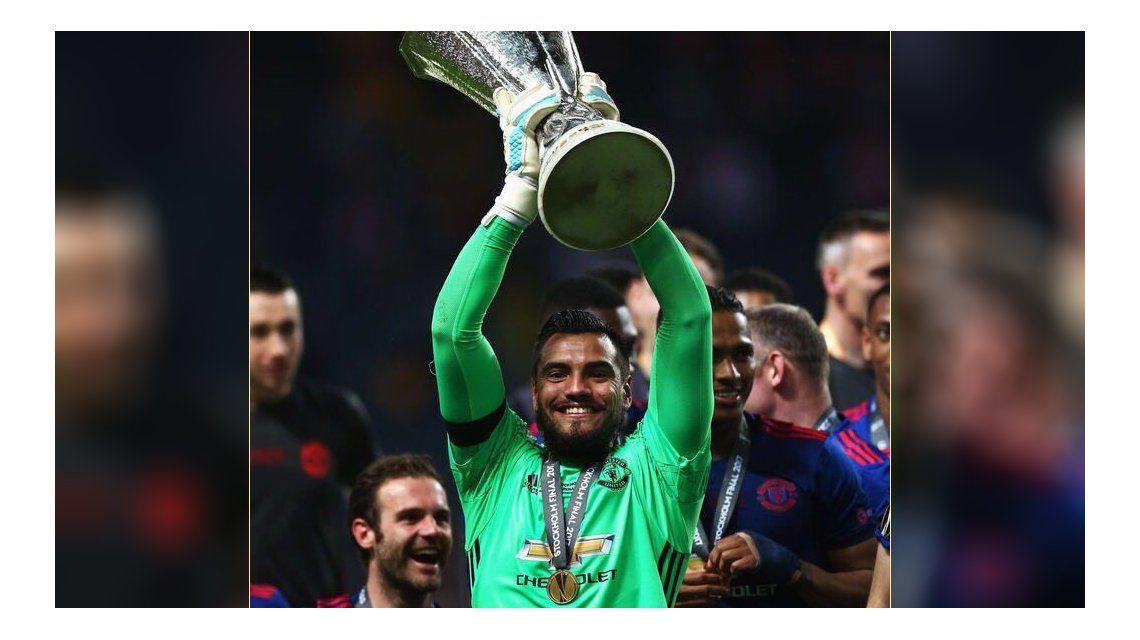 Con Romero en el arco, Manchester salió campeón de la Europa League