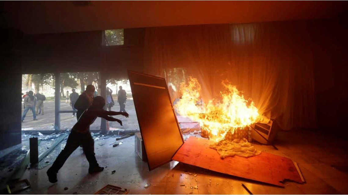 Brasil: incendiaron el Ministerio de Agricultura