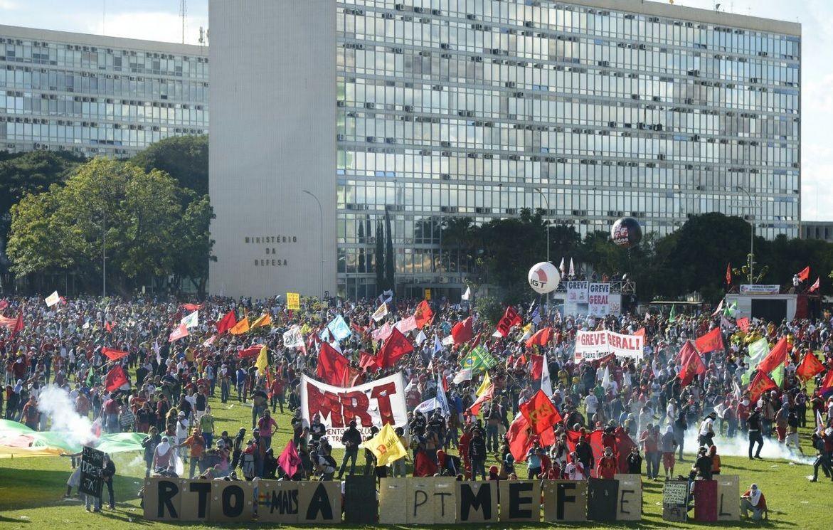 Miles de brasileños pidieron la renuncia de Temer