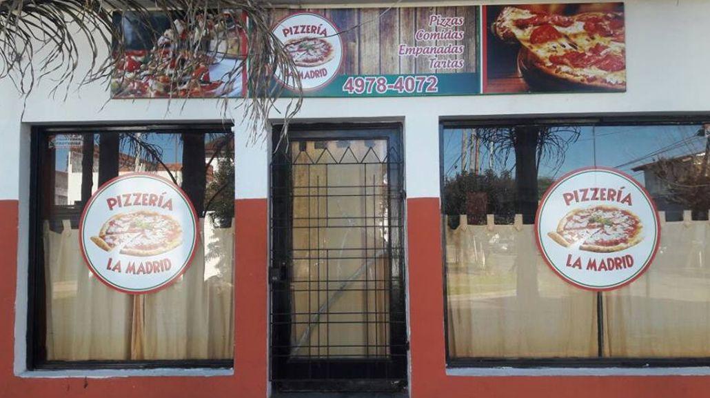 Clientes le dieron una golpiza a un ladrón y evitaron el robo a una pizzería
