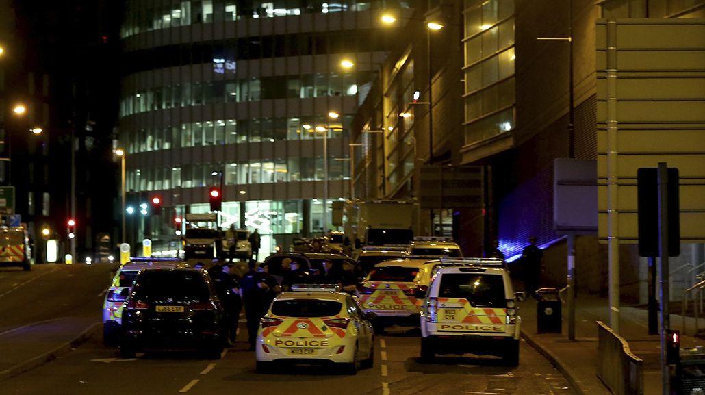 La policía rodea la zona del estadio Arenas
