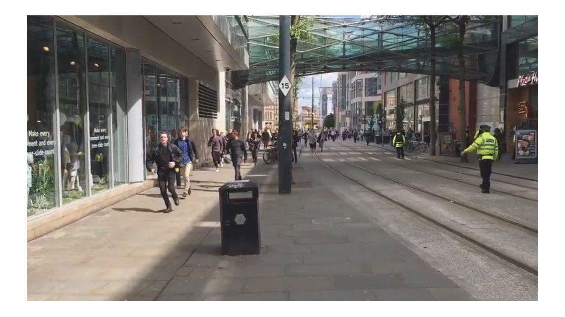 Tras el atentado en el estadio Arenas, evacuan un centro comercial en Manchester