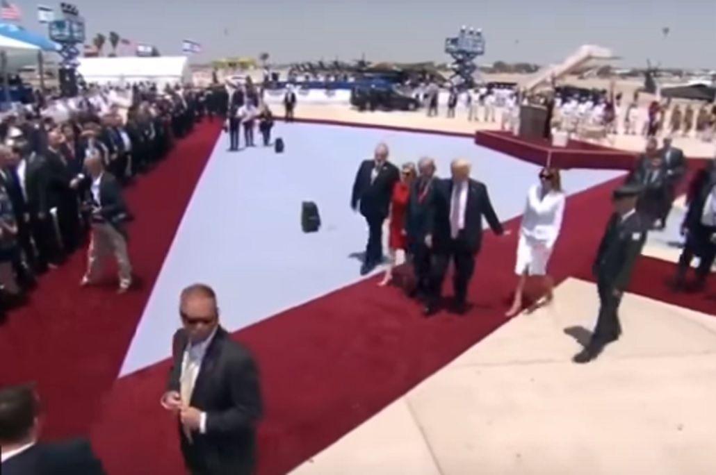 VIDEO: Furiosa, Melania le negó la mano a Trump en público