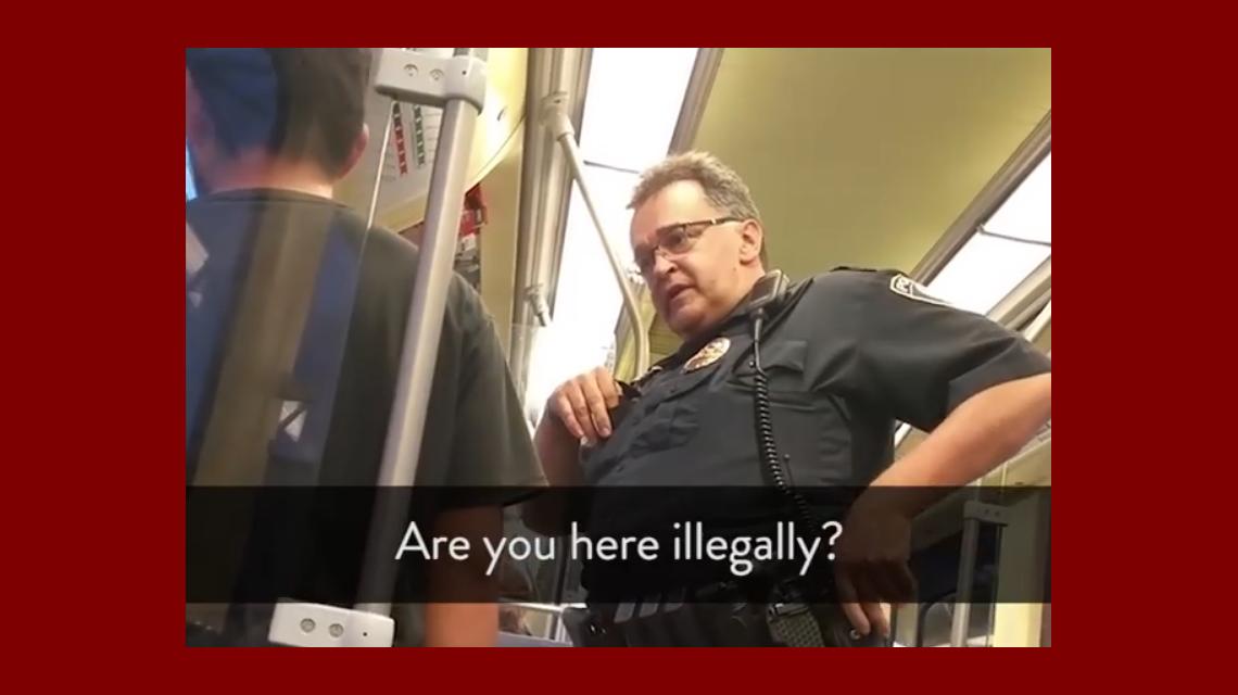 El acoso policial fue captado por un pasajero de subte