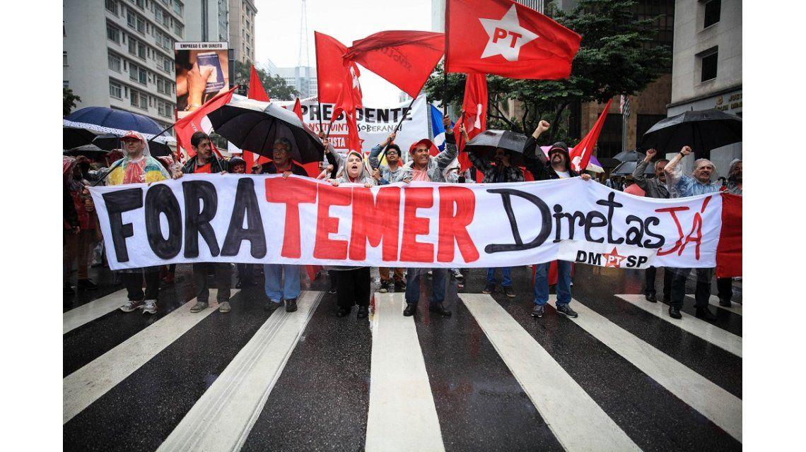 Marcha por la renuncia de Temer