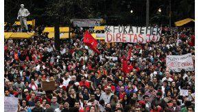 Convocan a manifestarse para pedir la renuncia de Temer