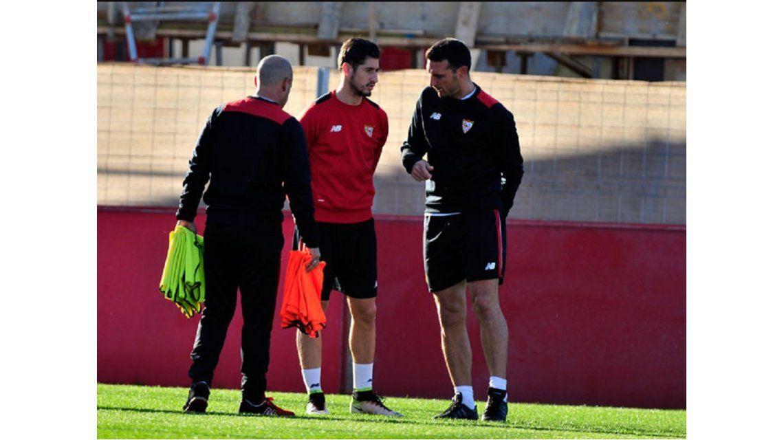 Scaloni, ayudante de Sampaoli en Sevilla, habría llamado a los convocados a la Selección