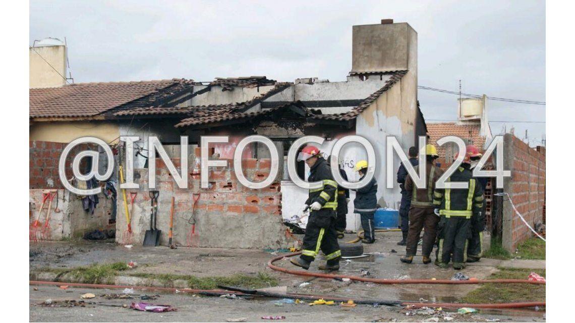 Dos chicos murieron en un incendio en una casa precaria