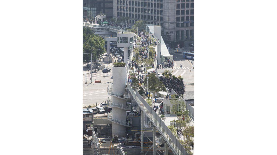 Seoullo 7017 es una avenida ajardinada construida sobre una vieja autopista