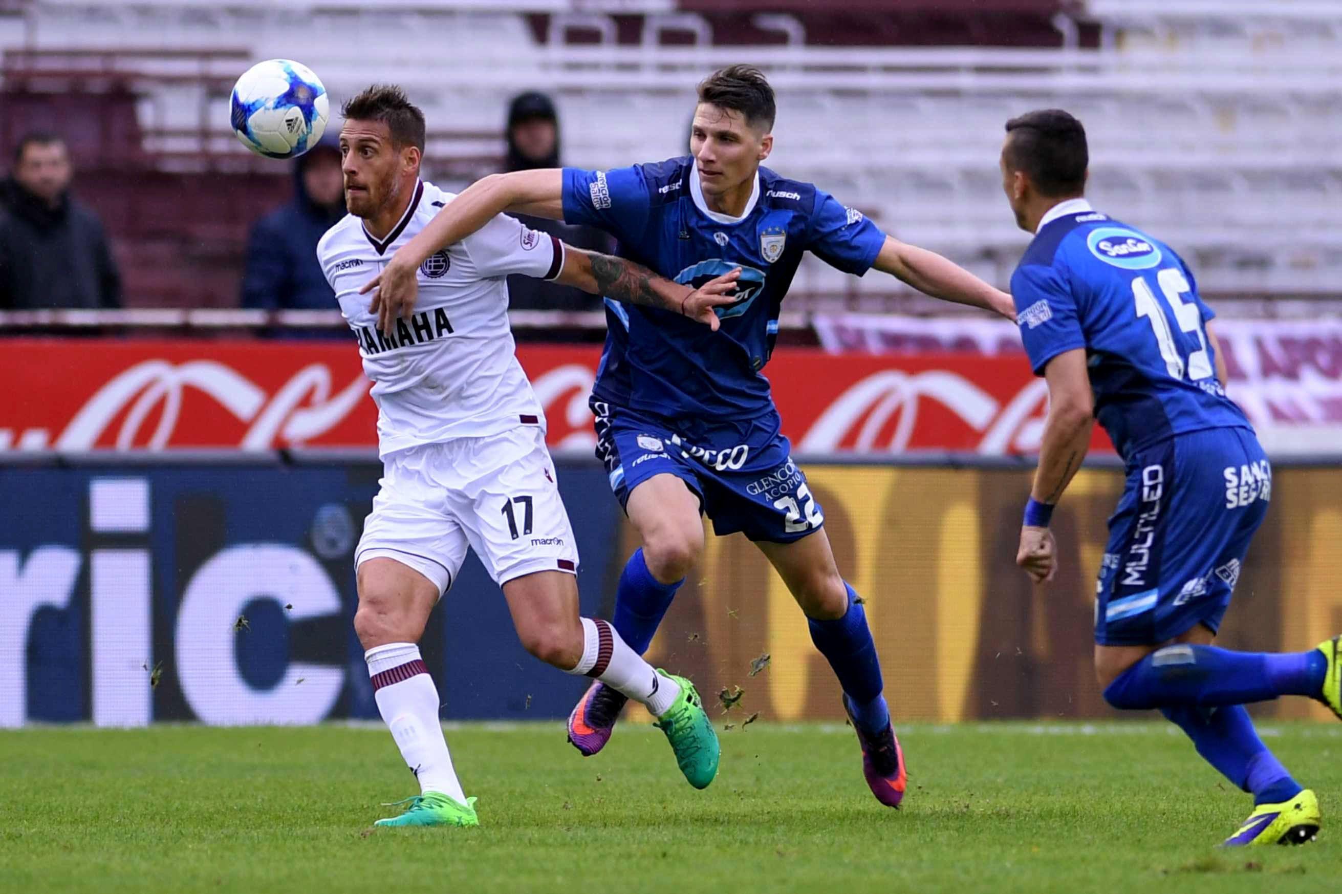 Lanús superó a Rafaela con dos goles de contraataque