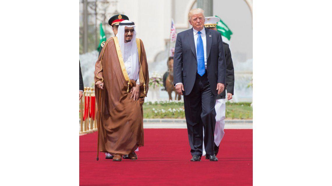 Donald Trump firmó un trato por armas con Arabia Saudita