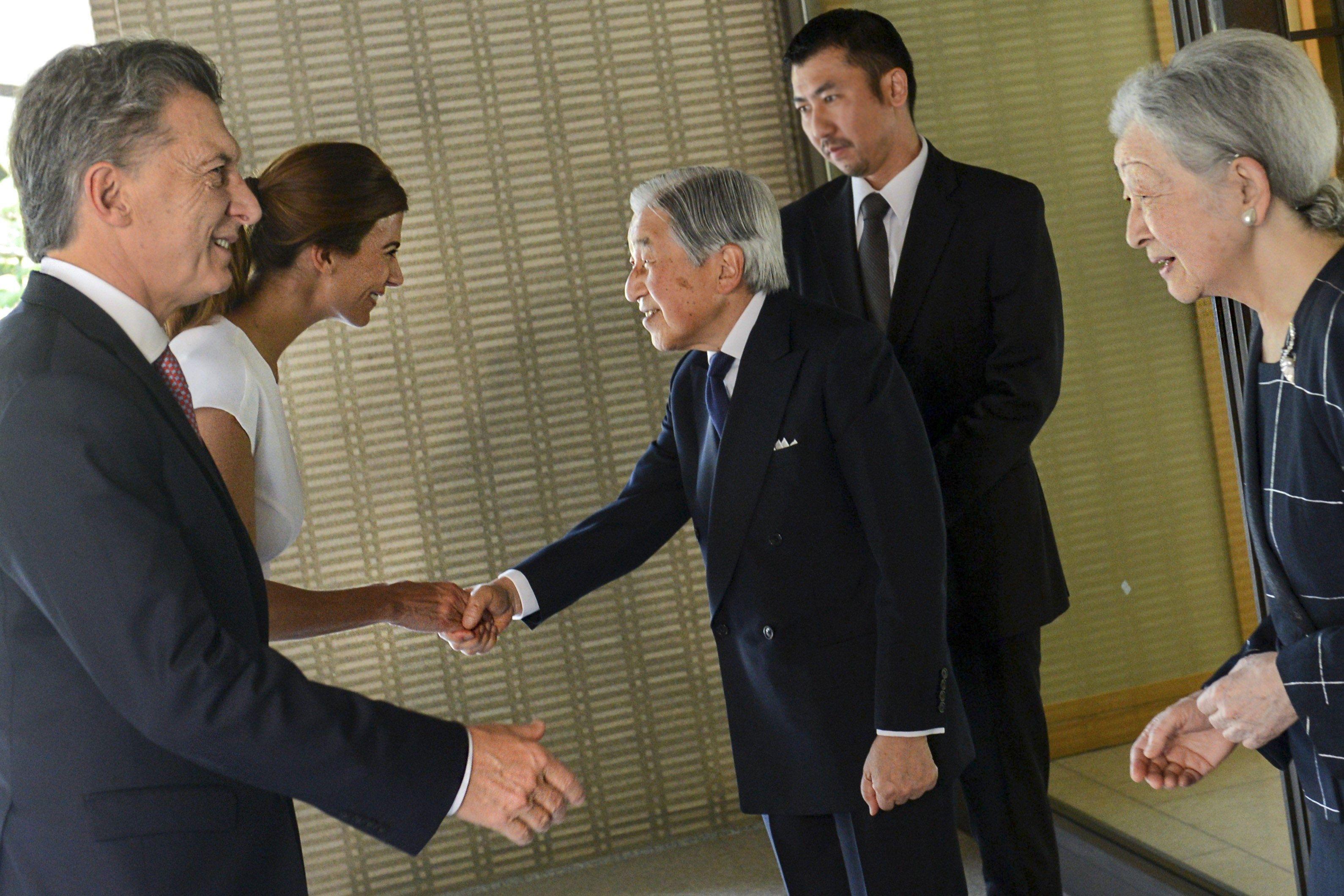 Mauricio Macri y Juliana Awada son recibidos por Akihito y Michiko