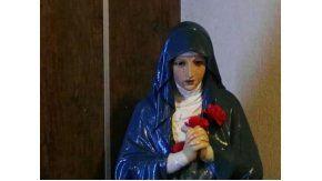 Conmoción por la virgen que llora sangre en Paraná