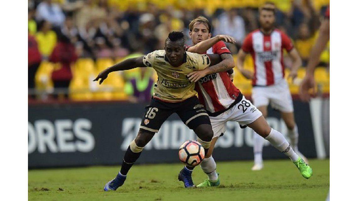 Estudiantes goleó al Barcelona de Ecuador pero no le alcanzó para clasificar
