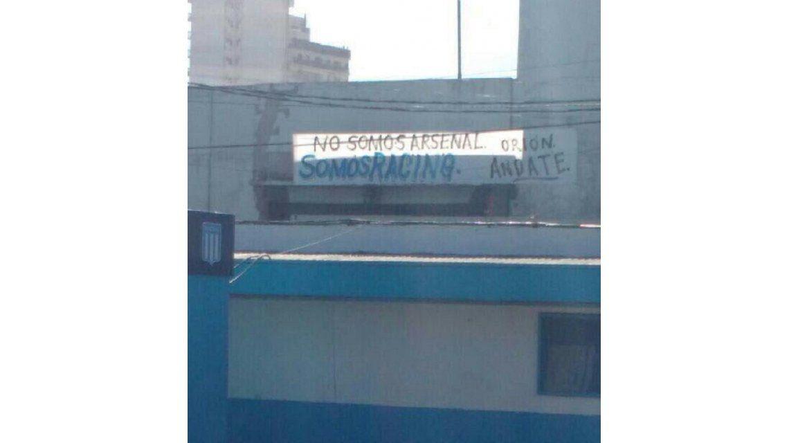 Con este pasacalles amanecieron los alrededores del Cilindro de Avellaneda