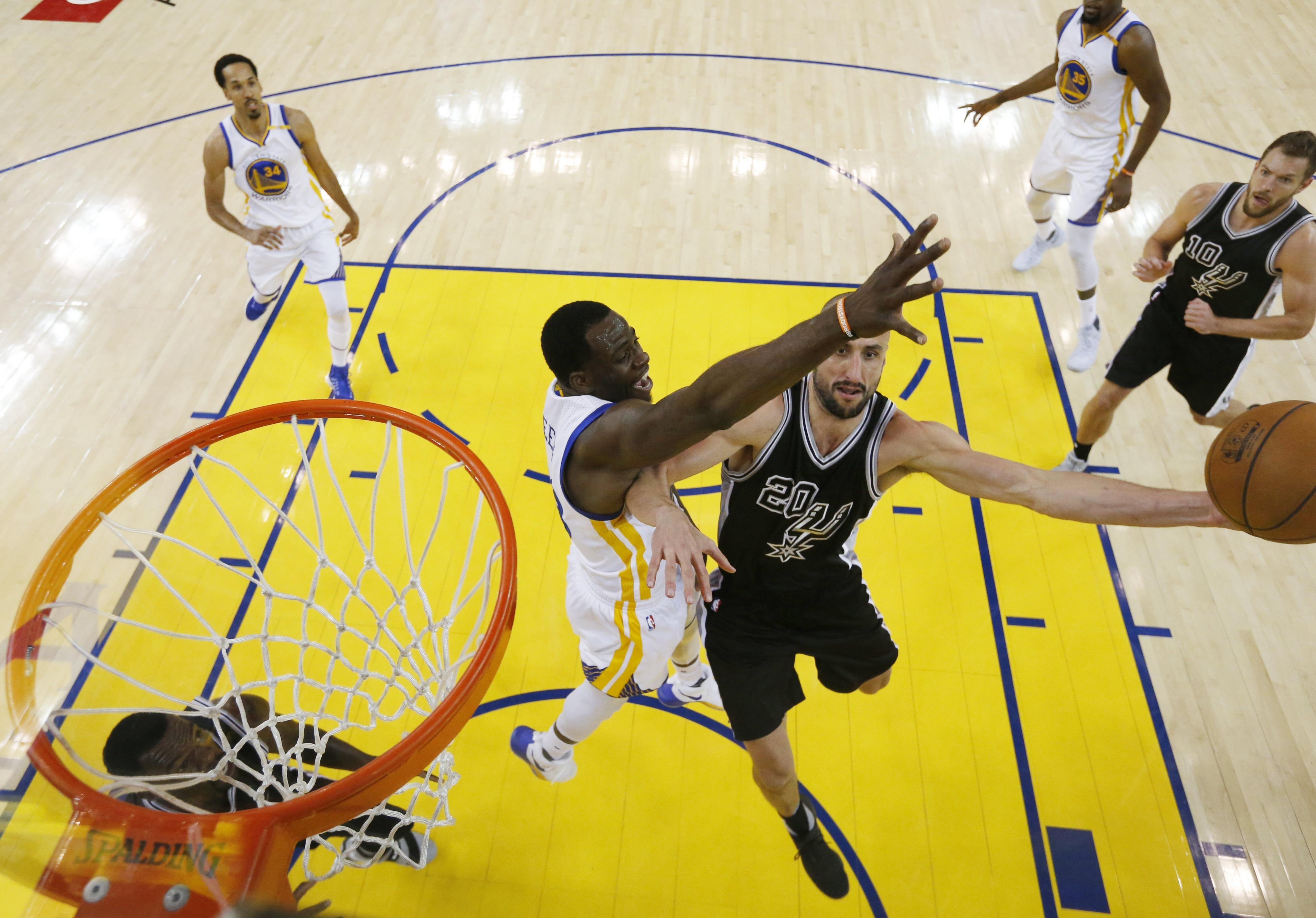 Emanuel Ginóbili ante Golden State Warriors