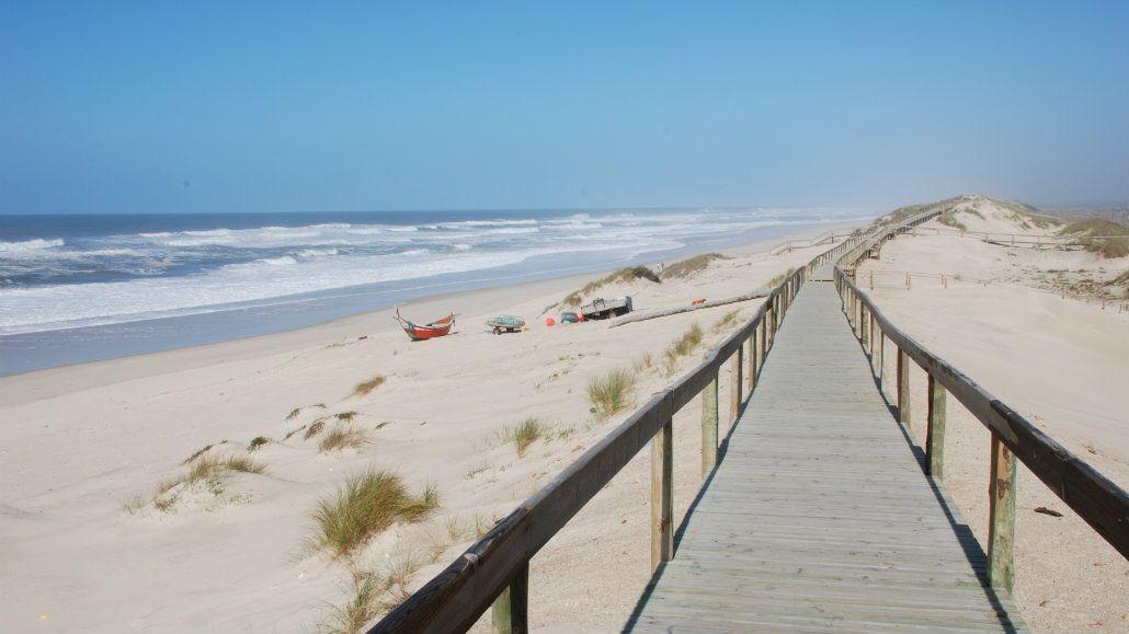 Hay una rambla de 36 kilómetros para recorrer la orilla