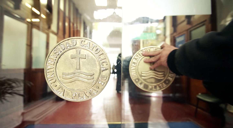 Escándalo por estafa y títulos truchos en la Universidad Católica de La Plata