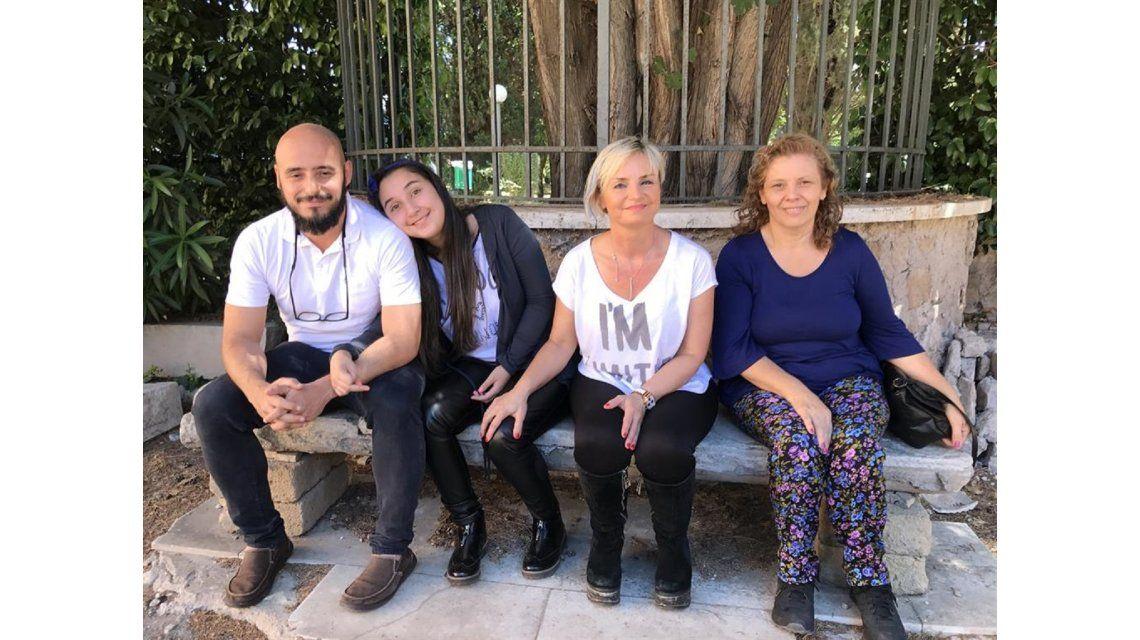 Una argentina que sufre una rara enfermedad mortal y el Papa la ayudará a difundirla