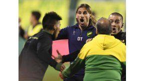El delirio de Beccacece tras uno de los goles frente a Quilmes