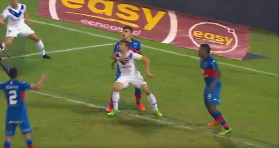 Penal para Vélez sobre la hora ante Tigre